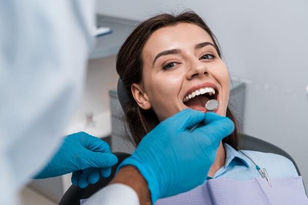 Man kan vinna mycket på att besöka en tandhygienist